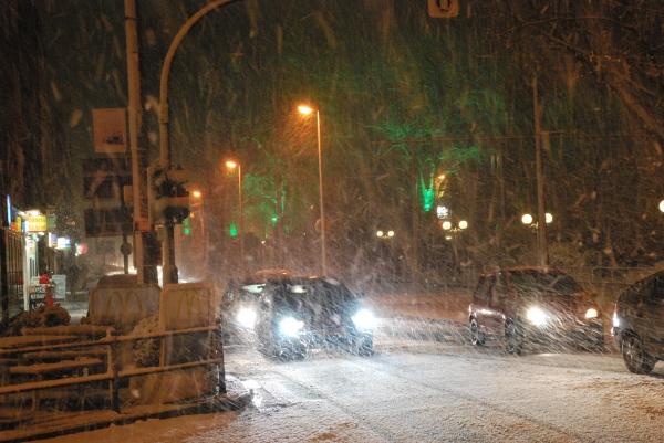 Der Schnee wird dichter, die Autofahrer freut es...